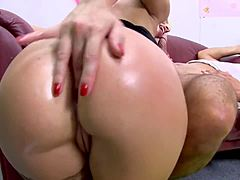 Breasty blonde chick gets hands on Deep butt poking maturepornvideos